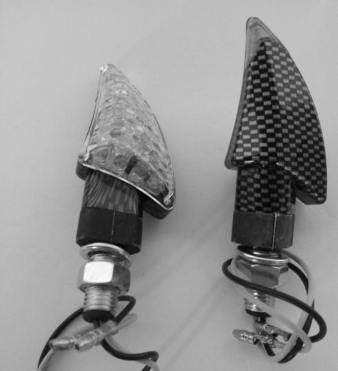 Coppia Frecce Moto Led Universali Indicatori Direzione Anteriore  Carbonio